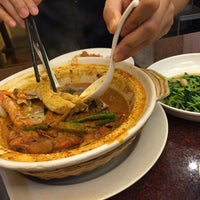 Photo taken at Meng Meng Roasted Duck 阿明帝王鸭 by Shirley S. on 9/13/2015