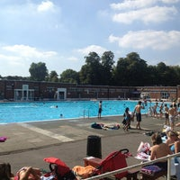 Photo prise au Brockwell Lido par Paolo B. le9/4/2013