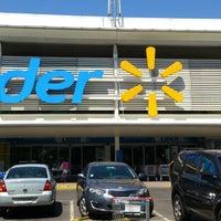 Foto tomada en Hiper Lider por Pablo Andres O. el 11/18/2012