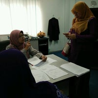 Photo taken at Faculty Of Business (FOB) Unisel Shah Alam by NadiahRadhil on 2/1/2017