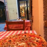 Das Foto wurde bei Pizzeria El Portico von Azra D. am 5/4/2016 aufgenommen