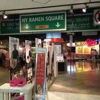 Photo taken at Ramen Square by モカ マ. on 12/27/2012