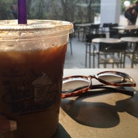 Photo taken at The Coffee Bean & Tea Leaf by Arina P. on 3/30/2016