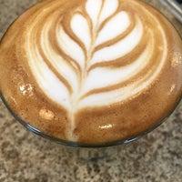 Photo prise au Heartwork Coffee Bar par Walter L. le10/3/2016