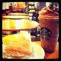 Photo taken at Starbucks by Piyachat R. on 5/6/2013