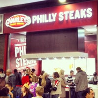 Foto tomada en Charleys Philly Steaks  por Алексей Е. el 11/1/2014