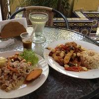 Photo taken at Restaurante Vegetariano Bio Leben by Alex R. on 3/1/2013