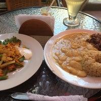 Photo taken at Restaurante Vegetariano Bio Leben by Alex R. on 2/27/2013