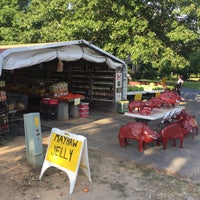 Photo taken at The Fruit Stand by Khanh L. on 7/10/2016