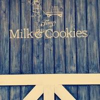 Foto tirada no(a) Tiny's Milk and Cookies por M A em 3/29/2017