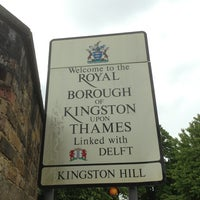 Das Foto wurde bei Kingston Gate von Miguel R. am 5/29/2013 aufgenommen