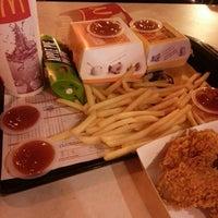 Photo taken at McDonald's / McCafé by baby z. on 3/15/2013