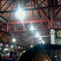 Foto tirada no(a) Praça de Alimentação do Dom Pedro por Douglas C. em 12/20/2012
