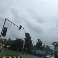 Photo taken at Ban Suan Phak Junction by ★ Iρz  Chεωιιε′ž F. on 7/7/2013