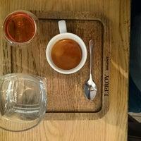 Das Foto wurde bei Leroy Bar & Café von Martin H. am 12/6/2014 aufgenommen