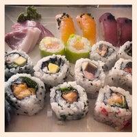 Foto tirada no(a) Sushi Pearl por Pedro A. G. em 6/18/2013