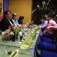 Снимок сделан в La Carreta пользователем Carlos T. 12/21/2012