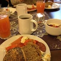 Foto scattata a SIS. Deli + Café da Hanna il 11/11/2012
