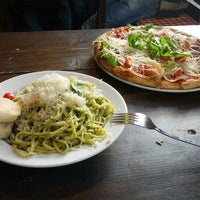 Das Foto wurde bei Pizza Vira von Marco am 10/11/2012 aufgenommen