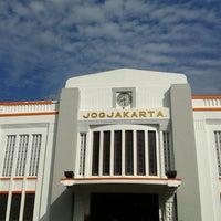 Photo taken at Stasiun Yogyakarta Tugu by Anna OctatyaRaya Nainggolan L. on 6/17/2013
