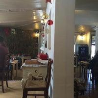 Photo taken at Pizzeria Vikoli by Francisco V. on 12/7/2014