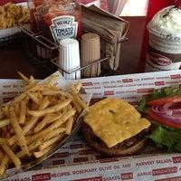 6/5/2013 tarihinde Raylson R.ziyaretçi tarafından Smashburger'de çekilen fotoğraf