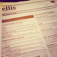 Photo prise au Ellis Gourmet Burger par Frank S. le5/23/2013