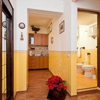 Foto scattata a Benigni Case & Orchidea Guest House da Benigni Case & Orchidea Guest House il 10/21/2015