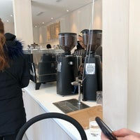 Foto tomada en Blue Bottle Coffee  por David M. el 3/17/2018