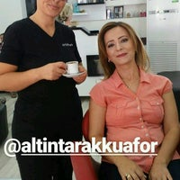 Photo taken at altıntarak kuafor salonu by Sibel G. on 8/27/2017