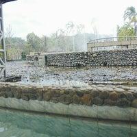 Photo taken at น้ำพุร้อนจันผา โป่งน้ำร้อนแม่จัน by บุมเบริน ไ. on 1/24/2016