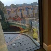 Photo taken at Holiday Inn London - Brentford Lock by Iain B. on 8/19/2016