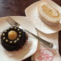 Photo taken at Myrna's Bake House - Pasonanca by James D. on 8/18/2017
