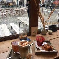 Foto scattata a Café Capitale da Burcu E. il 11/25/2017