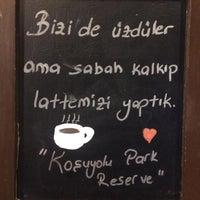 3/30/2017 tarihinde Oğuzhan A.ziyaretçi tarafından Starbucks Reserve'de çekilen fotoğraf