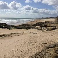Foto tirada no(a) Praia dos Gémeos por Sten em 3/31/2016