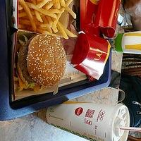 Photo taken at McDonald's by Ayşegül A. on 9/10/2017