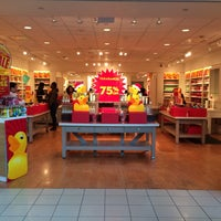 Photo taken at Bath & Body Works by Piper on 1/16/2016