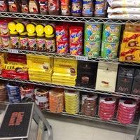 Foto scattata a El Mercado Food Mart da I3 I2 /\ [) il 2/27/2015