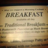 6/15/2014 tarihinde Heather G.ziyaretçi tarafından Overlook Restaurant'de çekilen fotoğraf