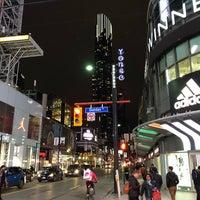 Das Foto wurde bei Downtown Toronto von Nima M. am 10/3/2018 aufgenommen