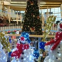 Foto diambil di Atrium Optima oleh Daryna P. pada 12/21/2015
