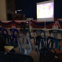 Photo taken at หอประชุมอำเภอแม่สะเรียง by นัทตุ้ย on 11/19/2015