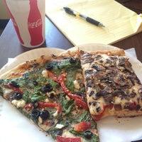 5/16/2013にMal H.がSicilian Thing Pizzaで撮った写真