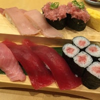 Photo taken at 沼津 魚がし鮨 沼津港店 by 鈴田 若. on 9/23/2016