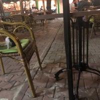 Foto tomada en Samatya Kültür Derneği Nargile Cafe Restoran por ENVER İ. el 7/14/2018