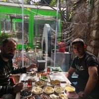 Foto tomada en Samatya Kültür Derneği Nargile Cafe Restoran por ENVER İ. el 4/5/2018