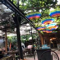 Foto tomada en Samatya Kültür Derneği Nargile Cafe Restoran por ENVER İ. el 9/16/2018