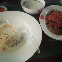 Photo taken at Singapore Chicken Rice - Emporium Pluit Mall by Hans MC E. on 8/30/2013
