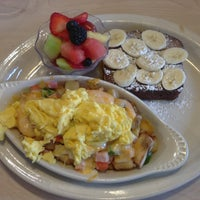 Photo taken at Egg Harbor Cafe by Kevin C. on 11/12/2012